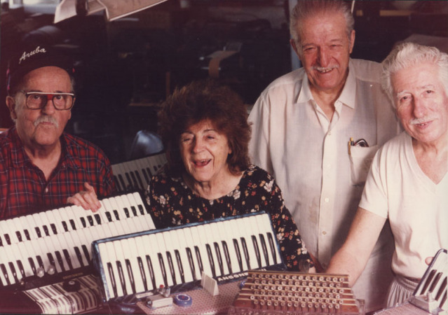 Luis, Josefina, Juan y Nazareno Anconetani