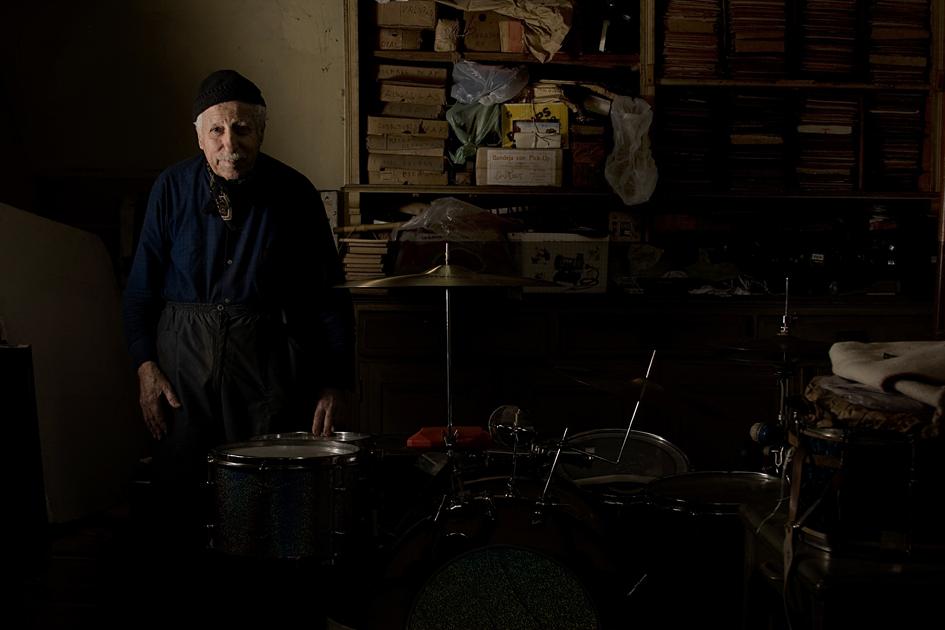 Luthier y baterista: Nazareno Anconetani