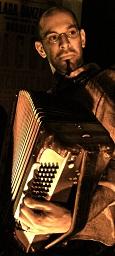 Balkan Spice: Uriel Kitay en la presentación de su disco en el Museo